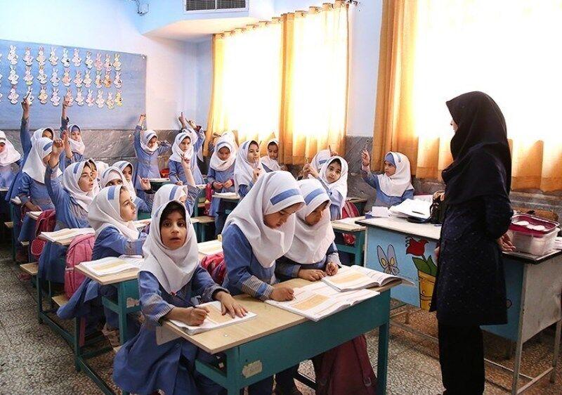 اعتراض معلمان پیمانی استخدامی مهر 98 به نحوه افزایش حقوقها