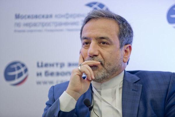 عراقچی: در زمان و مکان مناسب به حمله به نفتکش ایرانی پاسخ میدهیم