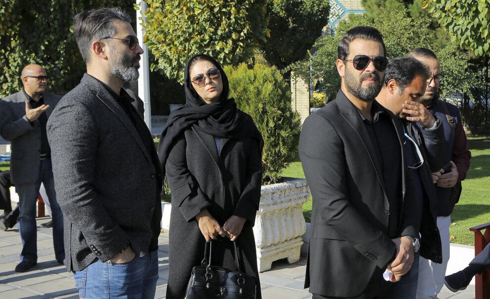 عکس/ پژمان بازغی و لاله اسکندری در مراسم تشییع پیکر مجید اوجی