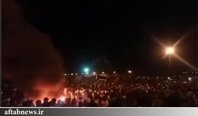 اعتراض به افزایش قیمت بنزین در برخی شهرهای ایران