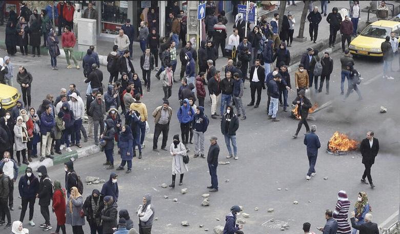 واکنش گلشیفته فراهانی و مهناز افشار به اعتراضات بنزینی