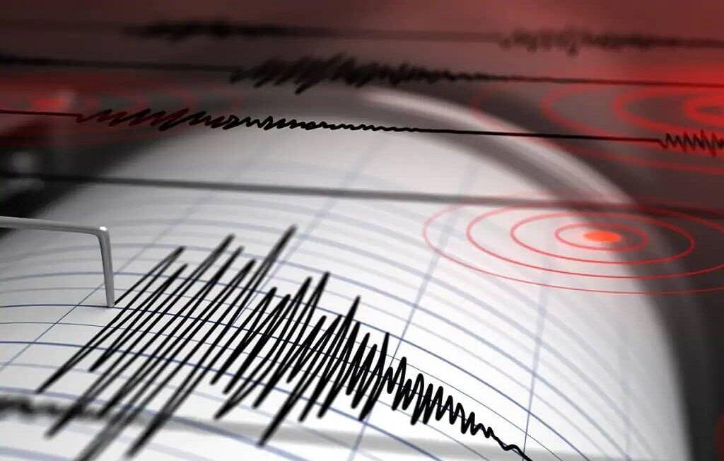 زلزله، زرقان فارس را لرزاند