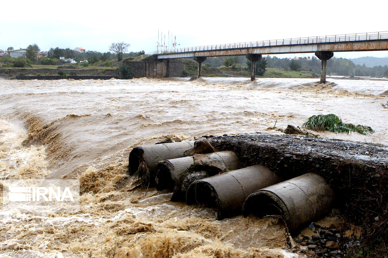 هشدار برای وقوع صاعقه و طغیان رودخانهها