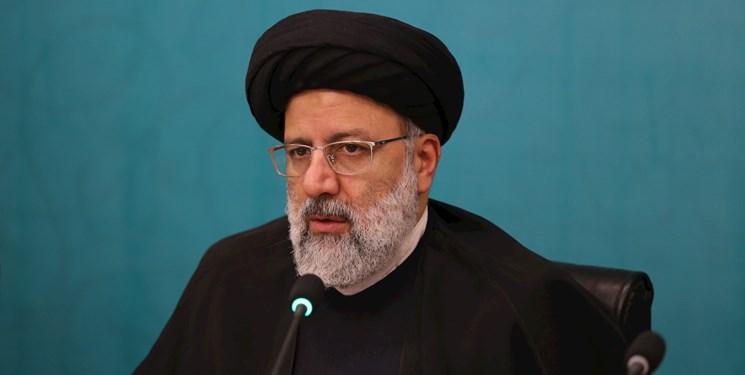 انتقاد رئیسی از روحانی: رفراندوم پیشکش، مردم را در جریان طرحها قرار بدهید