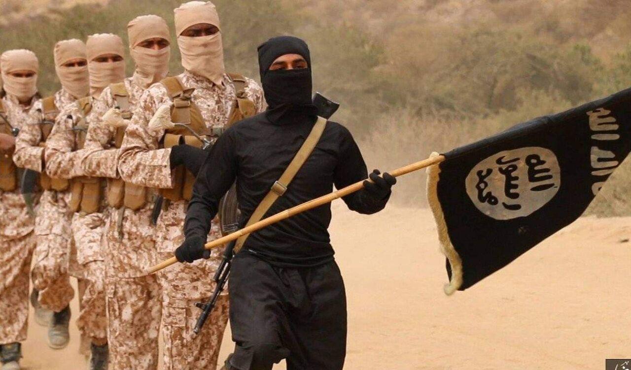 داعش 3 نفر را در سوریه سوزاند