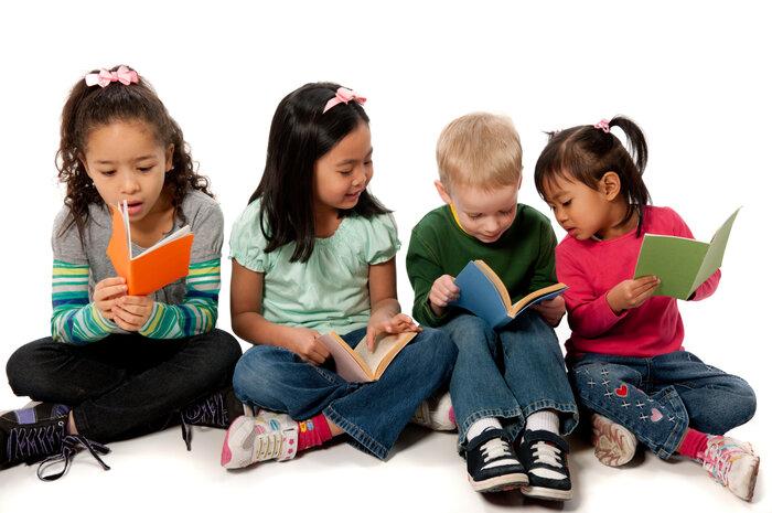 چرا باید برای کودکان کتاب بخوانیم؟