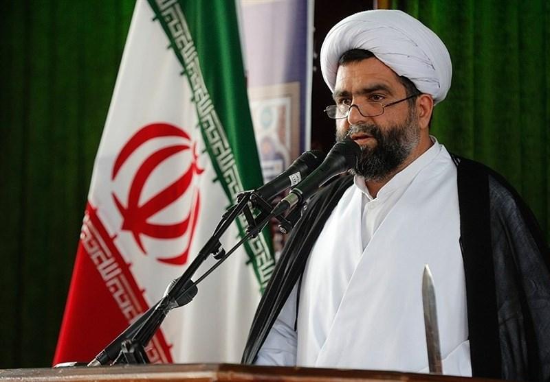 امام جمعه کیش: قطعی اینترنت کار بزرگی بود که باید انجام میشد/حقوق افراد را رعایت کنیم