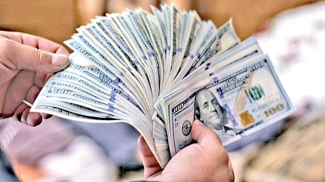جهش ارز ترجیحی به ۱۷۵۰۰/ قیمت کالاها صعودی میشود
