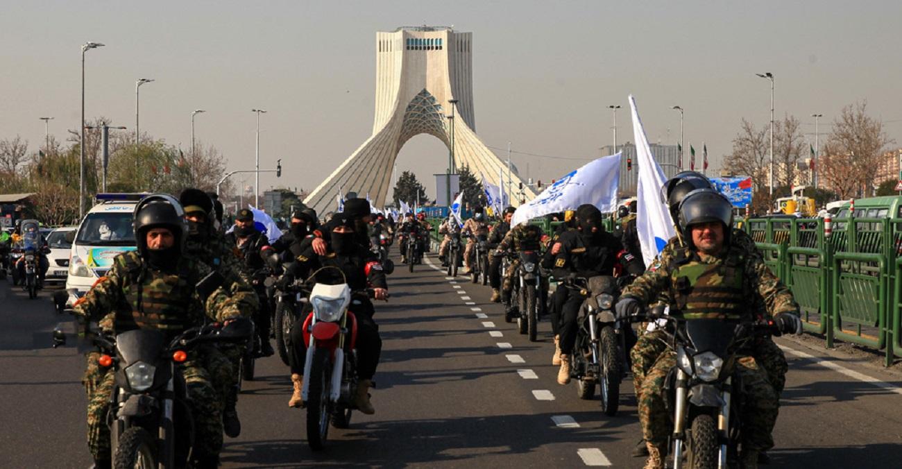 تصاویر  رژه ۴۰۰۰ نفری موتورسواران بسیجی تهران