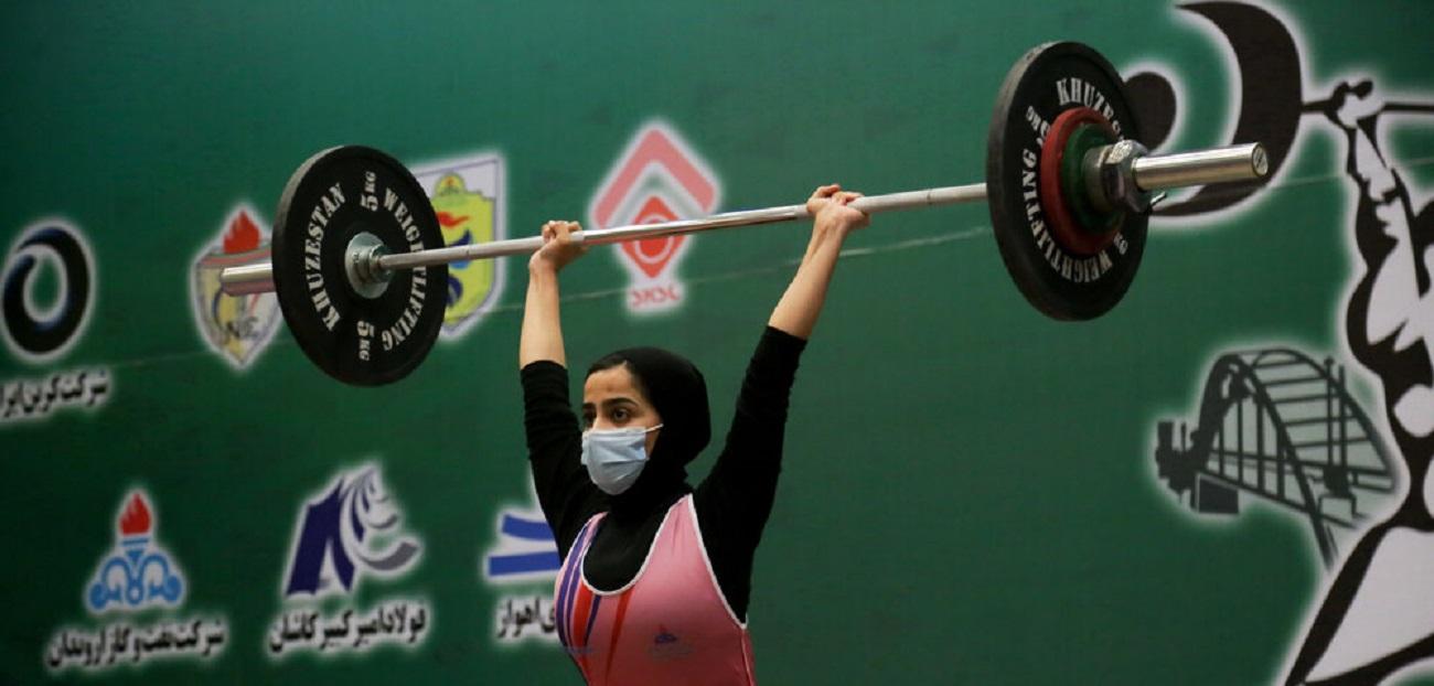تصاویر| مسابقات وزنهبرداری زنان در خوزستان