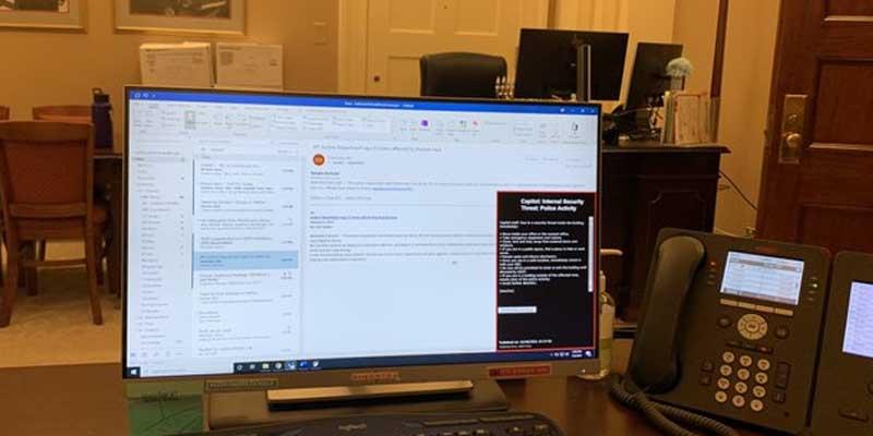 پلیس آمریکا به دنبال سارق لپ تاپ محرمانه کنگره