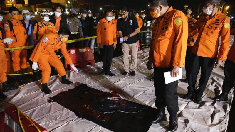محل سقوط هواپیمای مسافربری اندونزی شناسایی شد