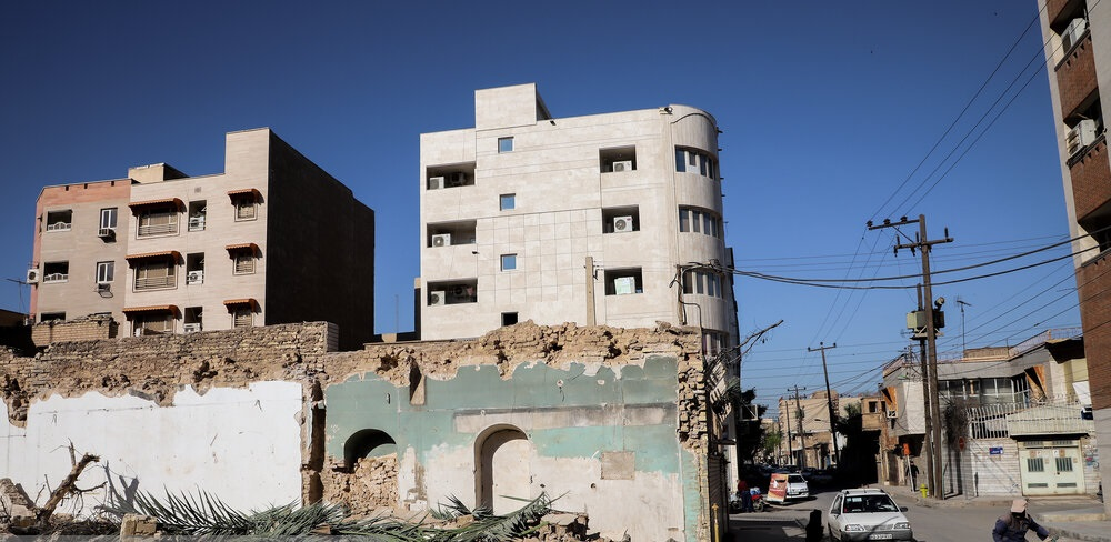 تصاویر| تخریب خانه پدری احمد محمود
