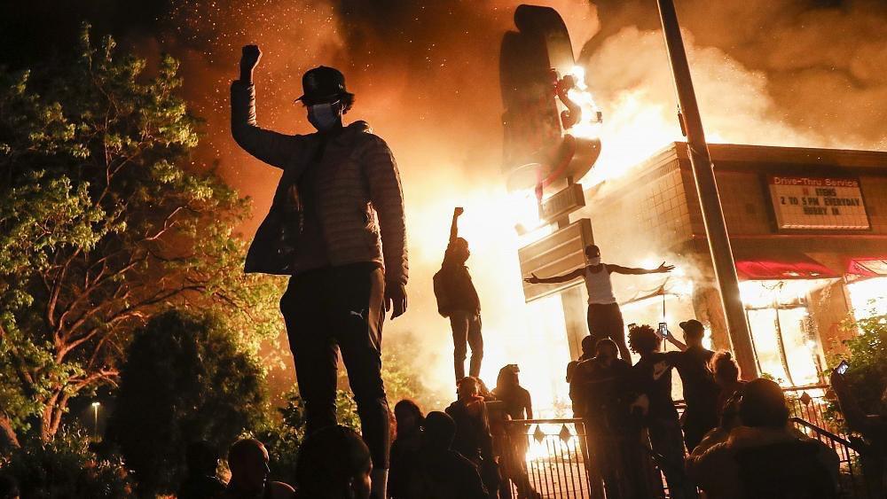آتش و آشوب در آمریکا بر سر قتل جورج فلوید