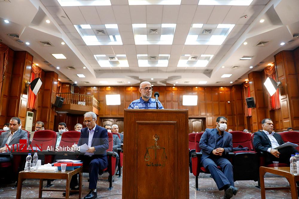 اکبر طبری در دادگاه: اگر بخواهم دوستانم کل لواسان را به نامم میکنند/ به من مربوط نیست که شما چنین دوستانی ندارید