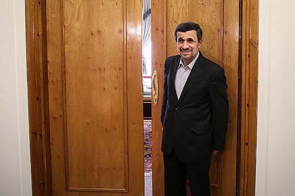 فرش قرمز برای بازگشت احمدینژاد در ۱۴۰۰| یاران قدیمی او چه میگویند؟