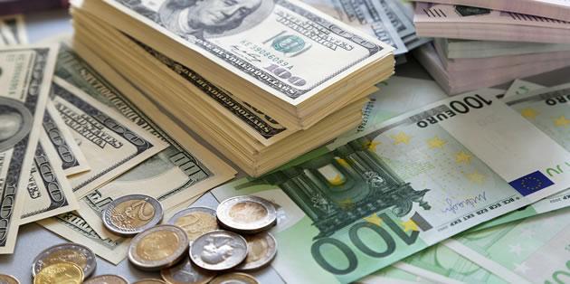 تب تند دلار در تابستان داغ| چهار دست و پا روی دلار نشستهاند و بر طبل گرانی میکوبند/ دلالان بازار ارز را باید به فلکِ مالیات بست
