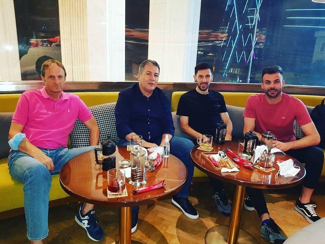 عکس  دیدار اسکوچیچ با ستارههای پرسپولیس و استقلال