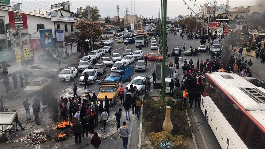 معماهای اعتراضات آبان؛ چرا وزارت کشور هنوز درباره کشتهشدگان آمار شفافی ارائه نکرده است؟