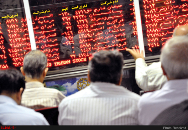 موجسواری روی بورس| ۳ هزار و ۳۴۸ میلیارد تومان درآمد مالیاتی دولت از معاملات سهام