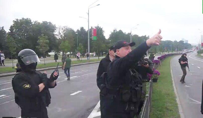 عکس| لوکاشنکو مسلح شد