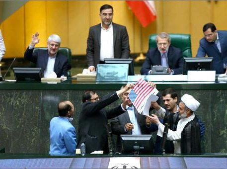 از رانتهای میلیاردی تا درخواست اعدام رئیسجمهور؛ در مجلس انقلابی چه میگذرد؟