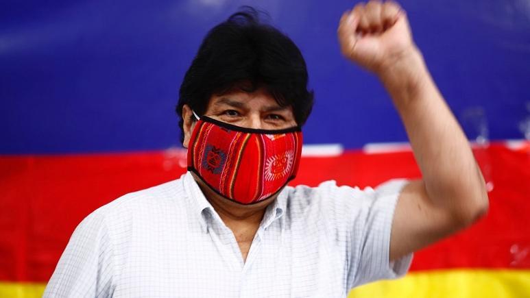 مورالس سرخوش از پیروزی سوسیالیستها در بولیوی: دیر یا زود باز میگردم