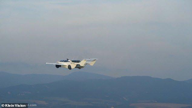 نخستین خودروی پرنده جهان را بشناسید/ تصاویر