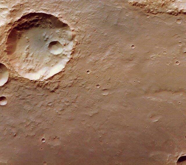 تصاویر جدیدی از دهانههای سطح مریخ