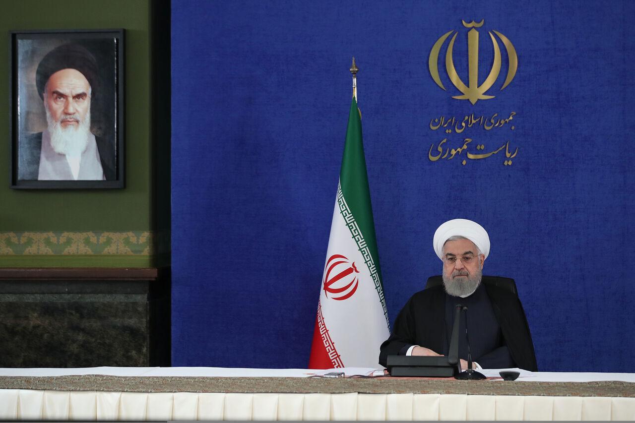 آغاز بهره برداری رسمی از پروژههای ملی وزارت نفت توسط روحانی