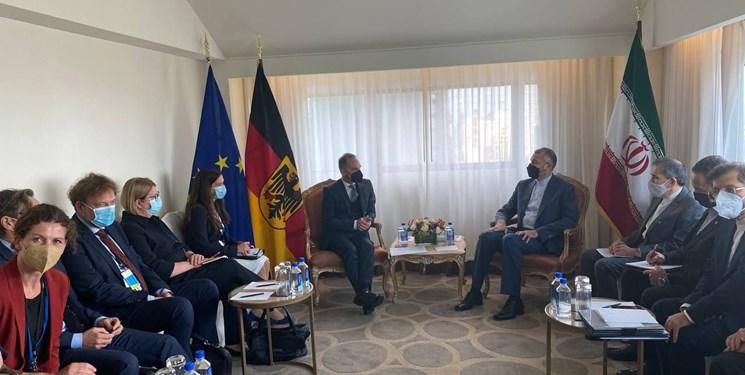 دلیل تاخیر در آغاز مذاکرات برجامی اعلام شد| امیرعبداللهیان خطاب به بورل: دولت رئیسی در حا مطالعه پرونده مذاکرات  است