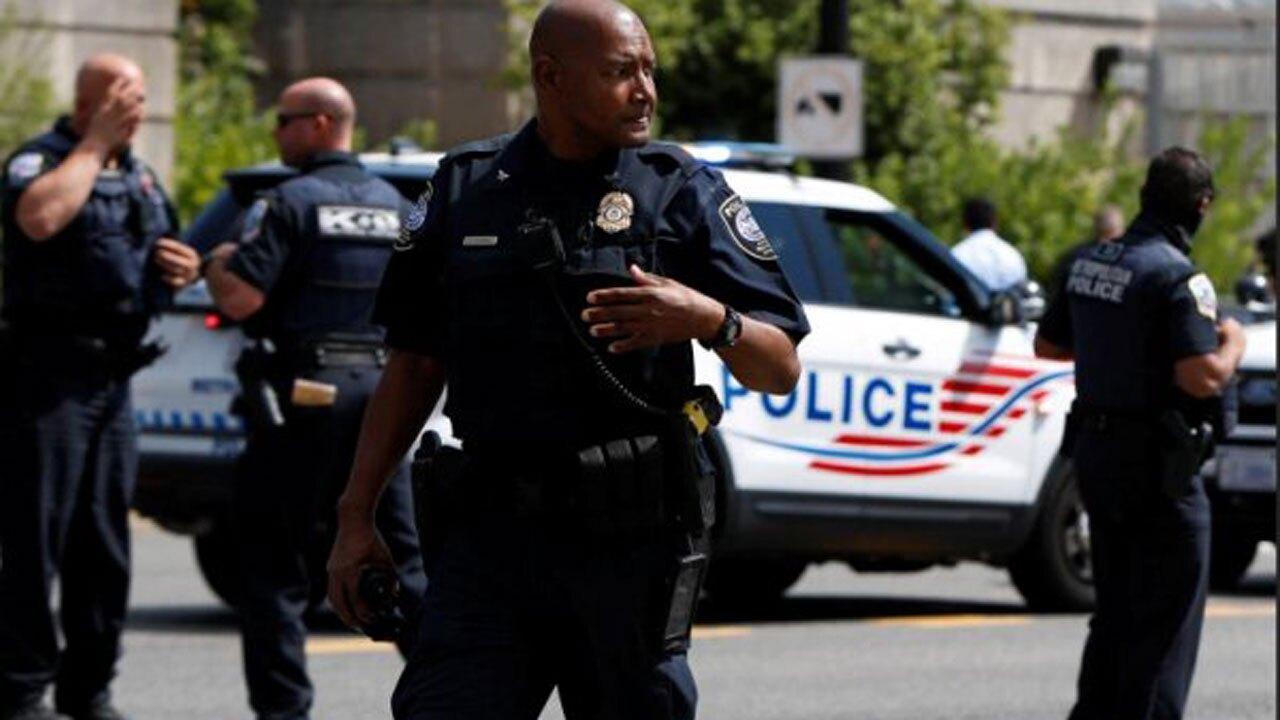 فیلم  برخورد عجیب پلیس آمریکا با یک مرد معلول