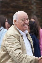 آمانسیو اورتگا، مؤسس شرکت ایندیتکس و مالک فروشگاههای زارا با ۶۷میلیارد دلار ثروت دومین فرد ثروتمند جهان و ثروتمندترین فرد در اسپانیا معرفی شده است.