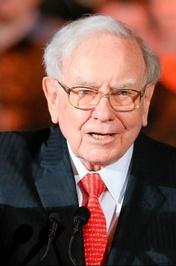 وارن بافت، مدیر عامل و رئیس هیئت مدیره شرکت «برکشایر هاتاوی» با ثروت ۶۰میلیارد دلار در رتبه سوم جدول قرار دارد.<br />