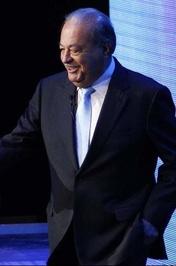 کارلوس اسلیم مالک شرکتهای «آمریکا موویل» و «تلمکس» با ۵۰ میلیارد ثروت در رتبه چهارم قرار گرفت.<br />
