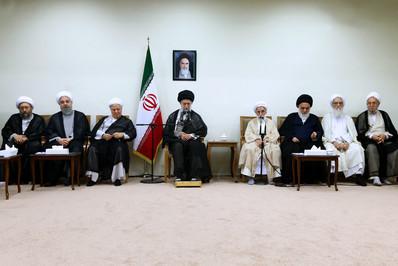 دیدار اعضای مجلس خبرگان با رهبر انقلاب resized 71030 801