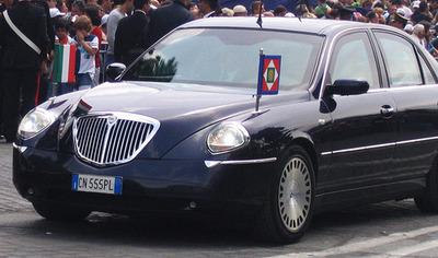 لانچیا ثسیس خودروی رئیسجمهور ایتالیا