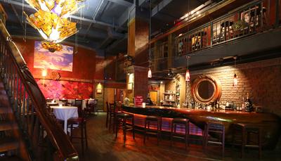 ریچارد گی یر - BEDFORD POST INN ریچارد گی یر در نیویورک دو رستوران بزرگ و لوکس دارد که در یکی از آنها صبحانه و ناهار و در دیگری شام سرو می شود. منوی صبحانه این رستوران محبوبیت زیادی دارد که تست آواکادو مشهورترین شان است.