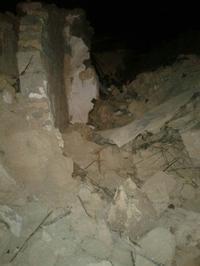 شهرستان کنگاور _ روستای سلیمان اباد تخریب تقریبا کامل خانه بر اثر زلزله.