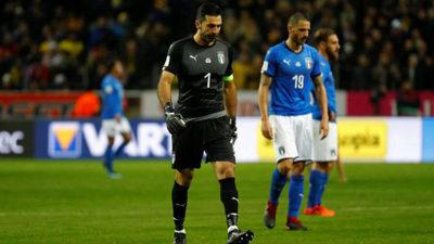 بوفون- کیه لینی- بونوچی- وراتی (ایتالیا) تعلل در مرحله گروهی و قرار گرفتن بعد از اسپانیا باعث شد تا آنها وداعی تلخ با روسیه 2018 در جریان حذف برابر سوئد داشته باشند.