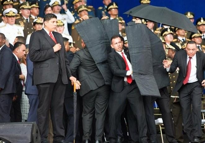 نمونهای از سپر ضدگلوله در حفاظت از رئیس جمهور ونزوئلا