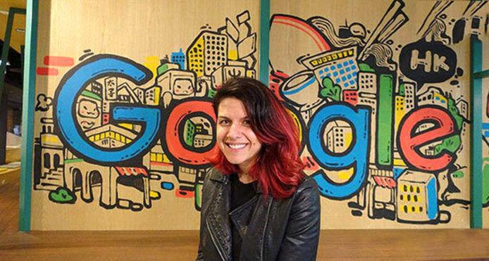 پریسا تبریز  31  پریسا تبریز، متخصص ایمنی رایانه در سال 1361 به دنیا آمد. پریسا در حال حاضر با لقب شاهدخت ایمنی در بخش ایمنی نرم افزار گوگل کروم و برای شرکت گوگل کار می کند. جالب است بدانید مجله فوربس نام پریسا را در لیست 30 پیشگام زیر 30 سال در زمینه تکنولوژی قرار داده است. پریسا که مادری لهستانی-آمریکایی و پرستار دارد و پدرش یک پزشک ایرانیست تقریبا بلافاصله پس از فارغ التحصیلی جذب شرکت گوگل شد.