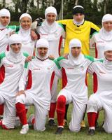 تیم فوتبال بانوان منتخب باشگاههای اوکراین با  پوشش   اسلامی /  عکس